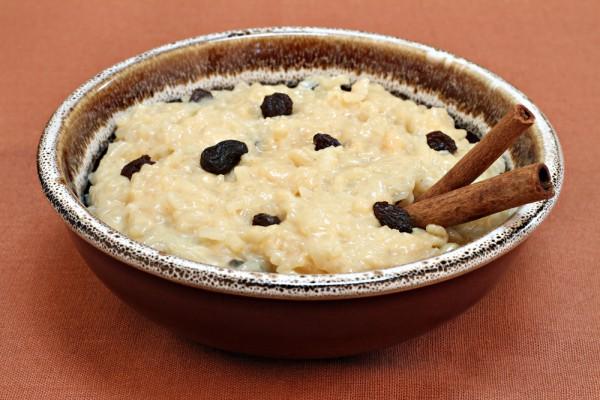Рецепт                  Постный завтрак: Рисовый пудинг с изюмом и яблоками