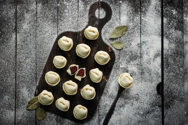 Вареники с вишней на шоколадном тесте: НЕ традиционный рецепт