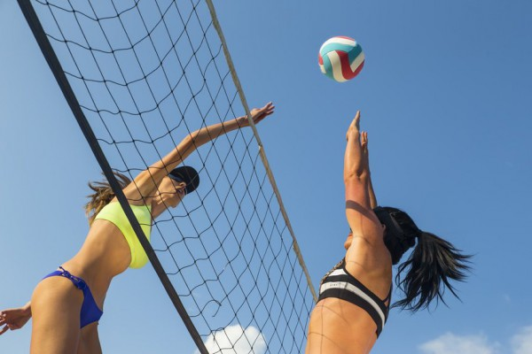 Пляжный волейбол укрепляет мышцы рук