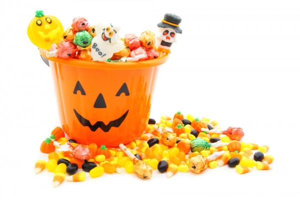 Ведро со сладостями на Хэллоуин