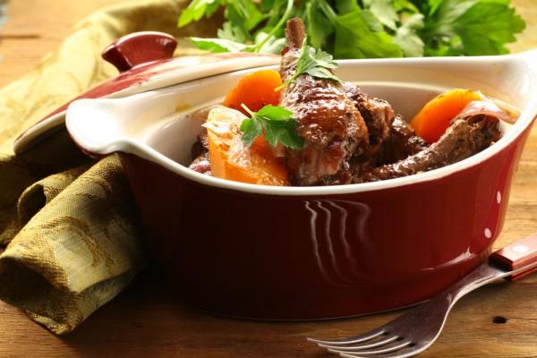 Рецепт                  Запеченная курица с картофелем и помидорами