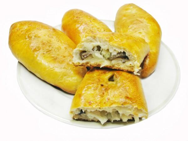 Пирожки с капустой и лисичками