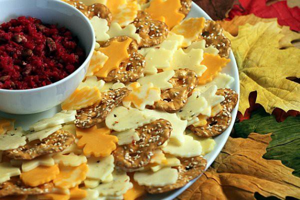 Осенняя сырная тарелка