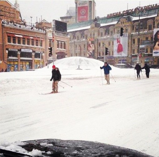 Анне Седоковой понравилось фото лыжников, катающихся по Бессарабке в Киеве