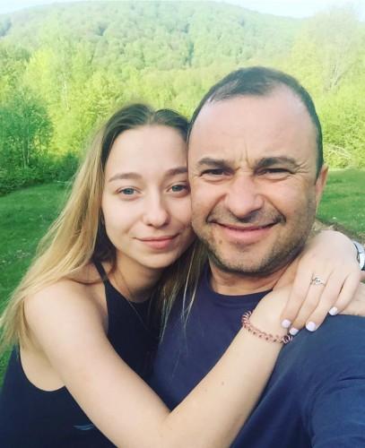 Виктор Павлик с невестой