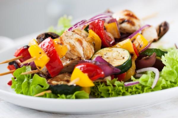 Шашлык из курицы и овощей