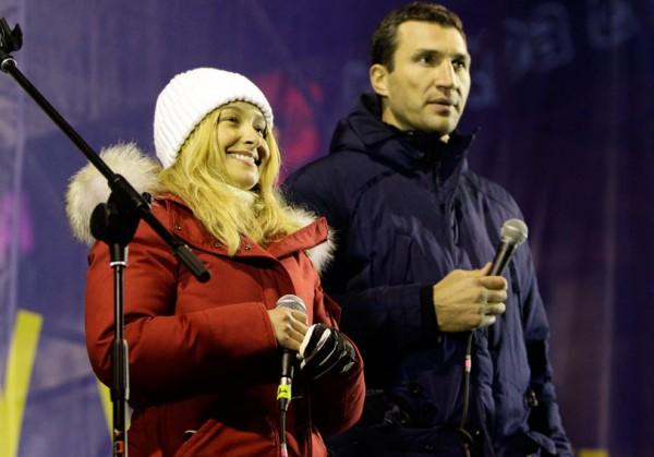 Хайден Панеттьери и Владимир Кличко выступили с речью на Евромайдане