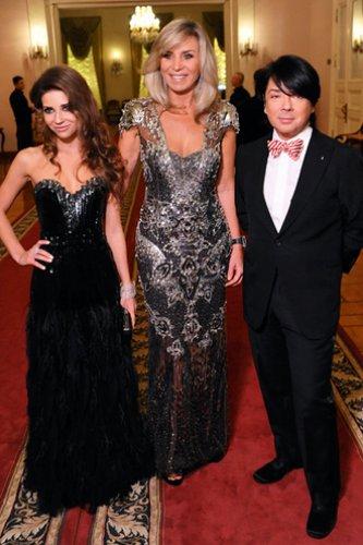 Валентин Юдашкин с дочерью Галиной и женой