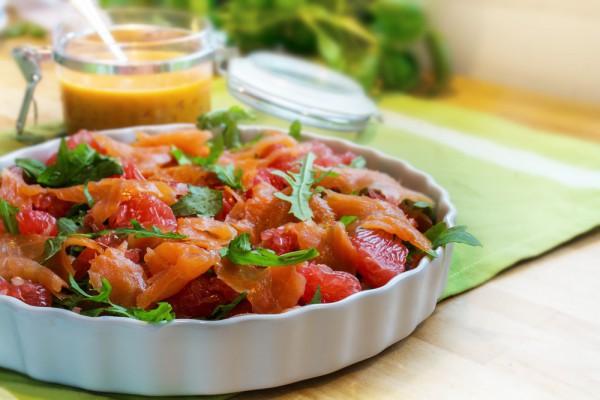 Салат на День Валентина с лососем