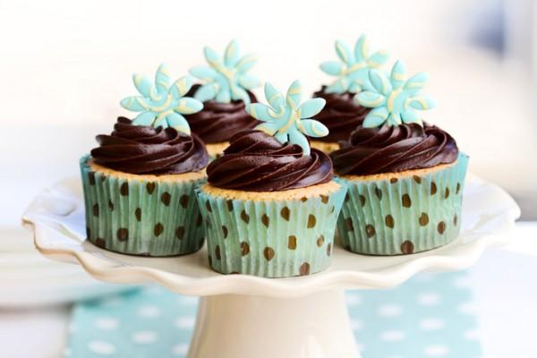Рецепт                  Ванильные капкейки с шоколадным кремом