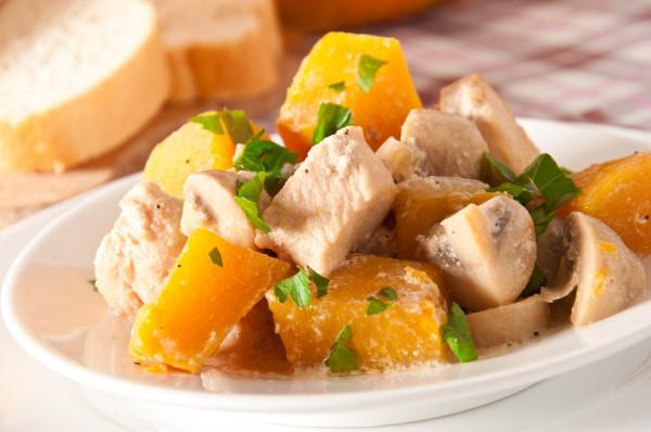 Рецепт                  Жаркое из тыквы с курицей и грибами