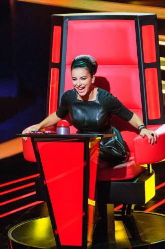 Ани Лорак решила оплатить экс-участникам шоу Голос країни съемки клипов