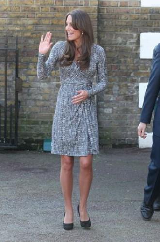 Кейт Миддлтон продемонстрировала беременный животик