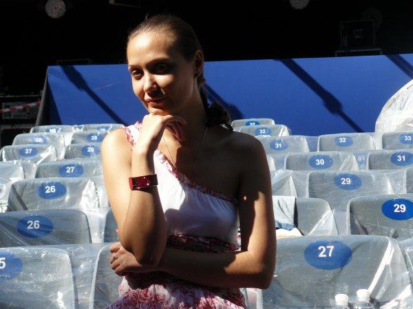 Евгения Власова не делает макияж по утрам из-за того, что она прекрасно выглядит и без косметики