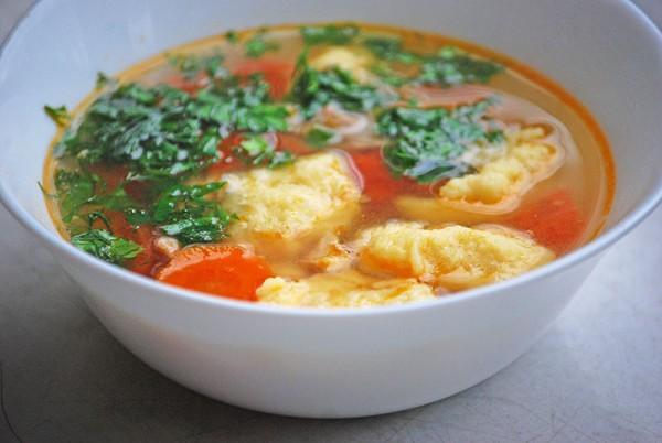 Рецепт                  Легкий куриный суп с клецками