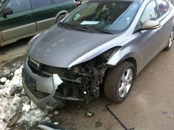Авто, которое врезалось в машину Алены Водонаевой