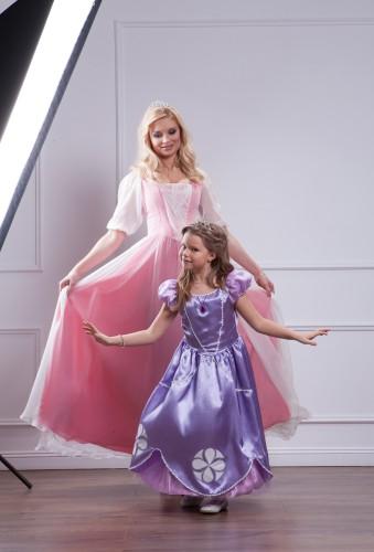 Лидия Таран и ее дочка в сказочных образах