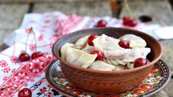Что приготовить на Ивана Купала: Постные вареники с вишней