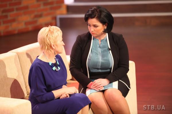 Ведущая – психолог Анна Кушнерук (справа)