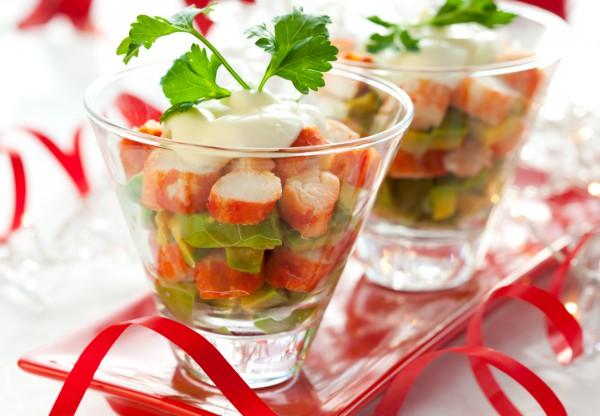Рецепт                  Новогодний салат из крабовых палочек и авокадо