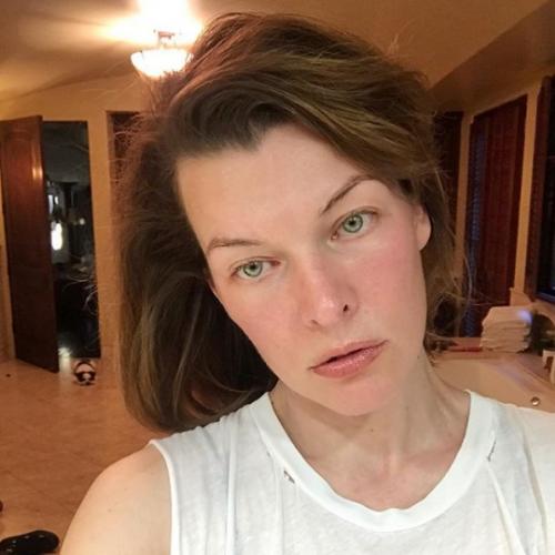 Мила Йовович без макияжа фото