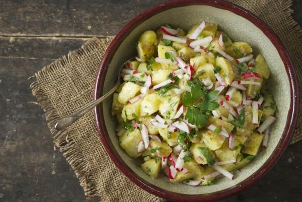 Постный салат из редиса и картофеля
