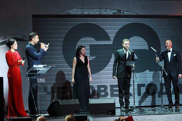 Открытием года стал рэпер Oxxxymiron, выпустивший альбом Вечный жид