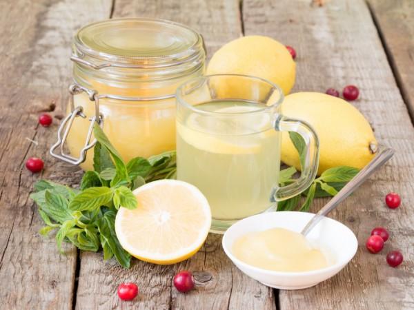 Пей воду с медом и лимоном по утрам