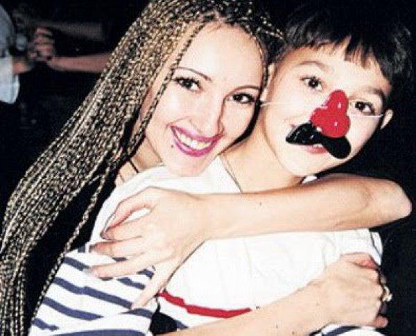 Лера Кудрявцева с сыном Жаном