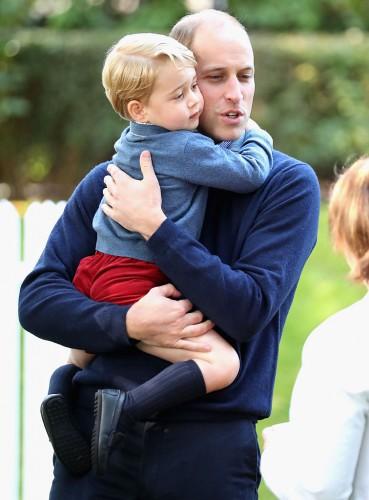 Принц Уильям с сыном Джорджем