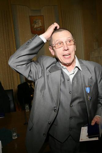 Супруга Валерия Золотухина: Он тяжело болен, находится в реанимации