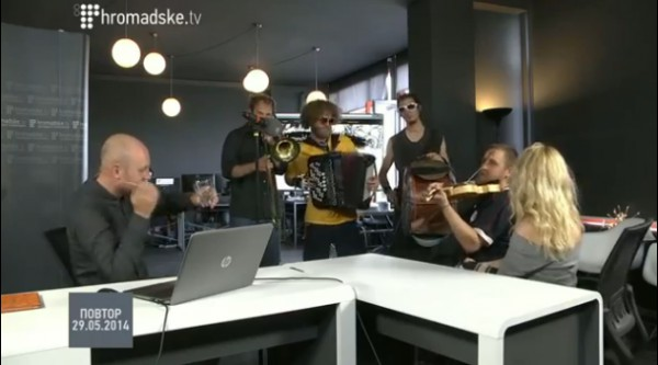 Группа Lemonchiki исполнила песню Путин х...ло