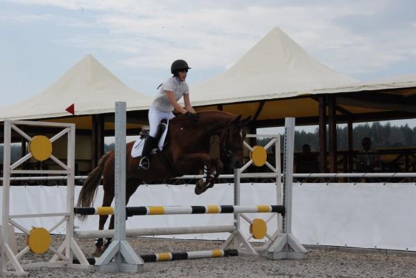 Дочь Дианы Дорожкиной занимается конным спортом