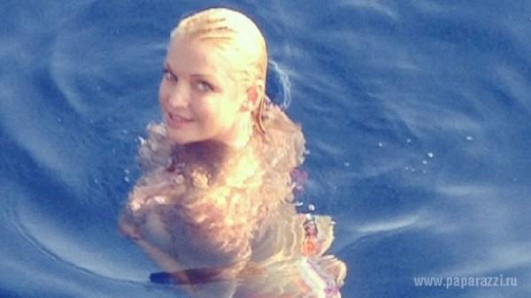 Анастасия Волочкова опубликовала новое пикантное фото