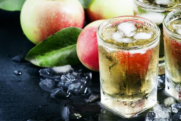 Яблочный уксус стимулирует пищеварение