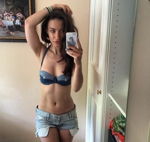 Виктория Дайнеко показала исхудавшую фигуру