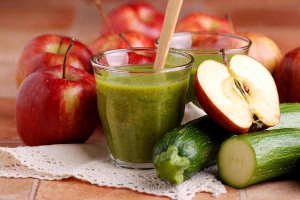Рецепт                  Коктейль с цукини и яблоком