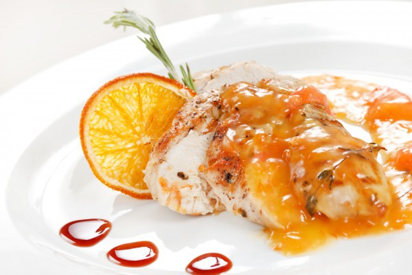 Апельсиновый соус идеально подходит к мясу