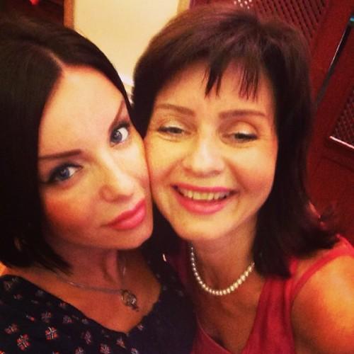 Юлия Волкова показала фото с мамой