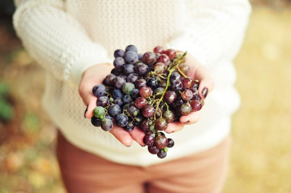 В 100 граммах винограда содержится около 70 калорий