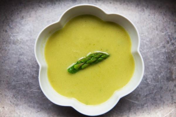 Весенний суп из спаржи