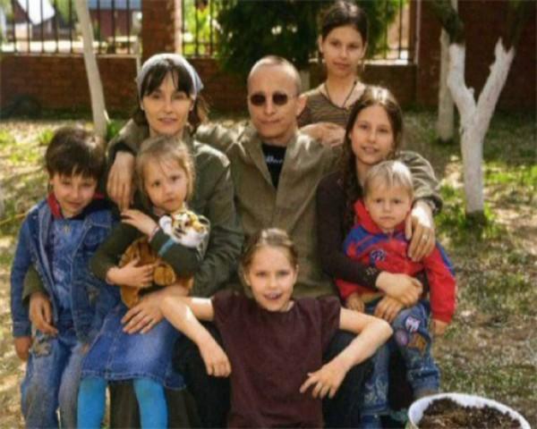Российский актер Иван Охлобыстин – отец шестерых детей