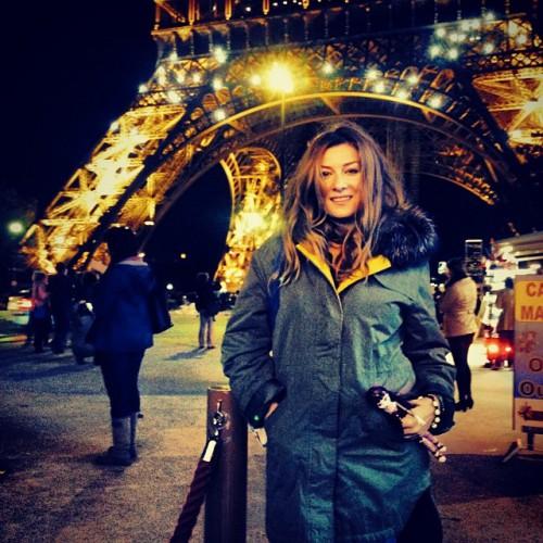 Жанна Бадоева показала фото из отпуска в Париже с дочкой