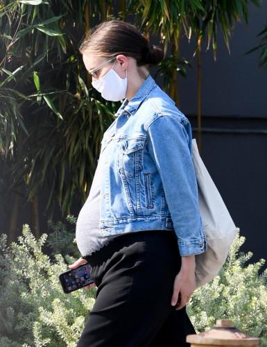 Руни Мара беременна