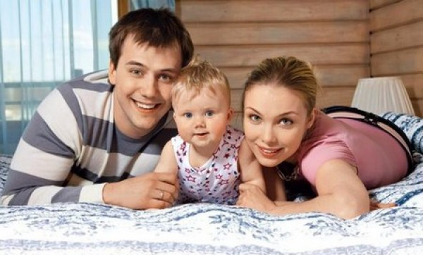 Иван Жидков, Татьяна Арнтгольц и их дочь Мария