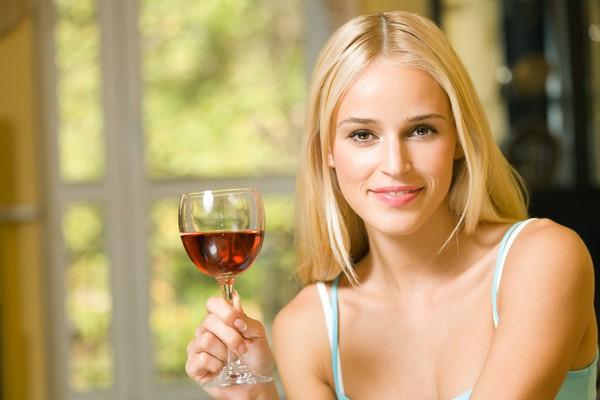 Разбавляй вино обычно или минеральной водой