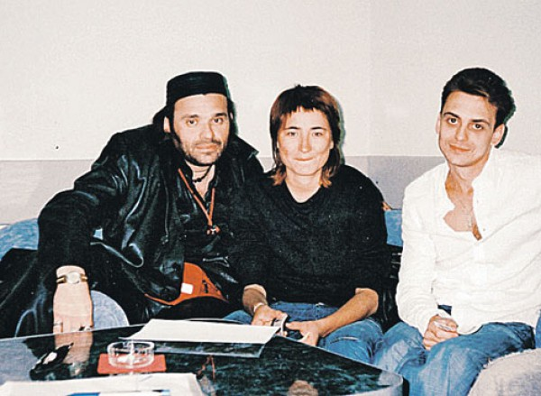 Влад Колчин крайний справа