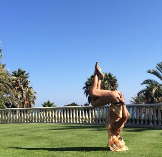 Виктория Боня занимается йогой/ instagram.com/victoriabonya