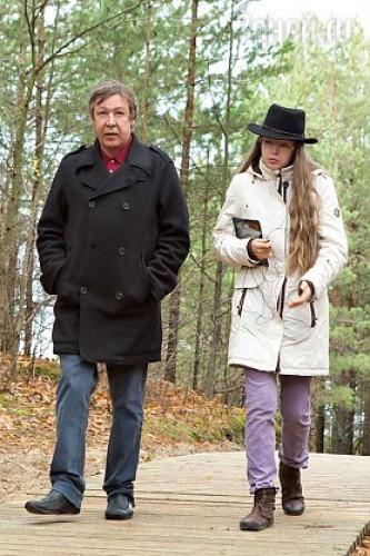 Дочь Михаила Ефремова стесняется отца
