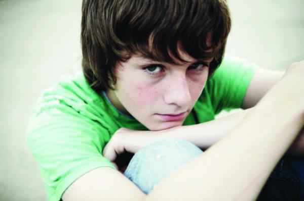 Синяки под глазами: Основные причины появление у детей, женщин и мужчин